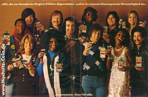 586-wir-die-les-humphries-singers-trinken-jaegermeister-weil-er-in-unserem-gesangsverein-ehrenmitglied-ist02